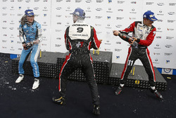Podio carrera 2: ganador Dorian Boccolacci, Tech 1 Racing, segundo lugar Max Defourny, R-ace GP, ter