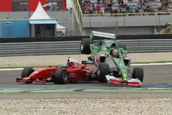 Klaas Zwart en Karl-Heinz Becker crash