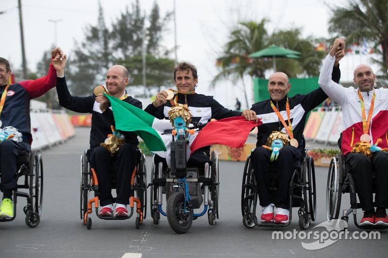 Alex Zanardi con el equipo italiano