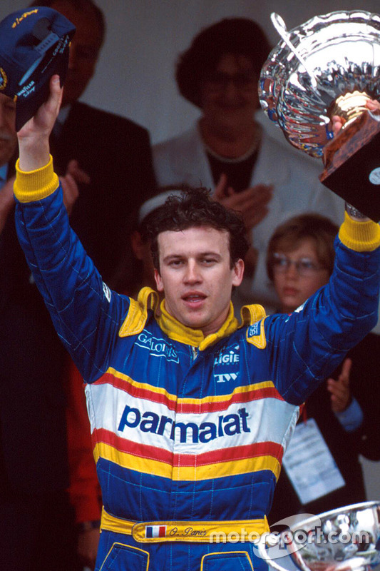 Podio: ganador de la carrera Olivier Panis, Ligier