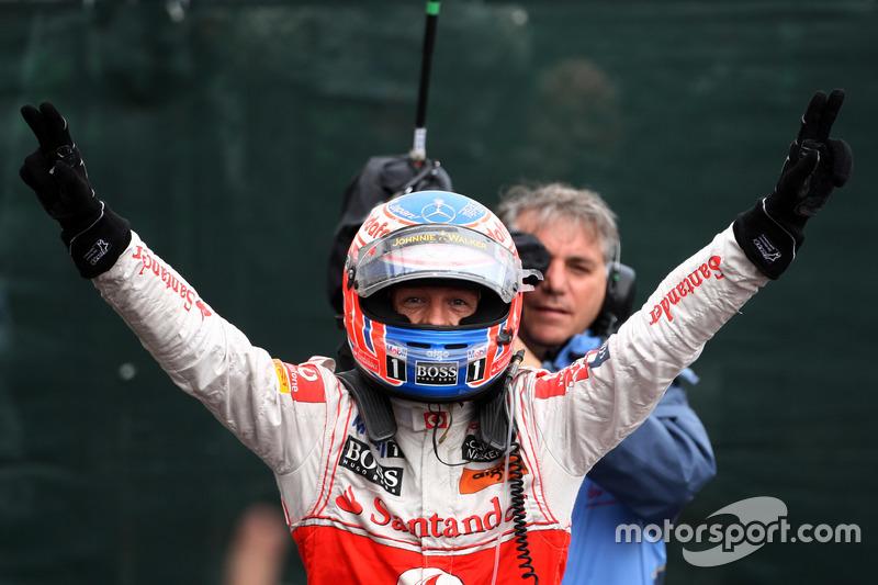 Pemenang lomba Jenson Button, McLaren Mercedes