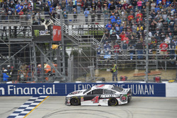 Kevin Harvick, Stewart-Haas Racing, Ford takes the win
