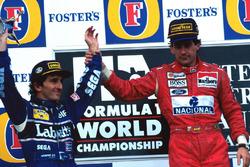 Подиум: победитель гонки Айртон Сенна, McLaren, второе место и чемпионский титул – Ален Прост, Williams