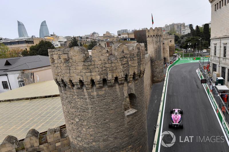 8: Sergio Perez, Force India VJM11, 1'42.547