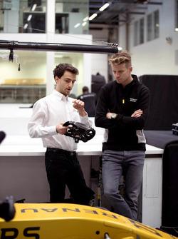Damien Turlay, Gewinner des IEA Europa-Finales 2017 im Gespräch mit Nico Hülkenberg