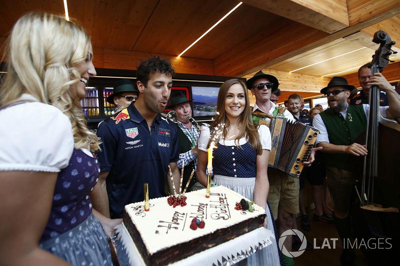Daniel Ricciardo, Red Bull Racing fête son anniversaire