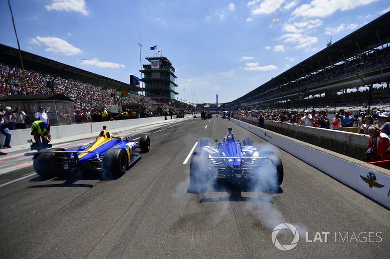 Alexander Rossi, Andretti Autosport Honda, Graham Rahal, Rahal Letterman Lanigan Racing Honda, Pit stop Competition