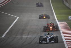 Valtteri Bottas, Mercedes AMG F1 W09, Kimi Raikkonen, Ferrari SF71H, and Daniel Ricciardo, Red Bull Racing RB14 Tag Heuer