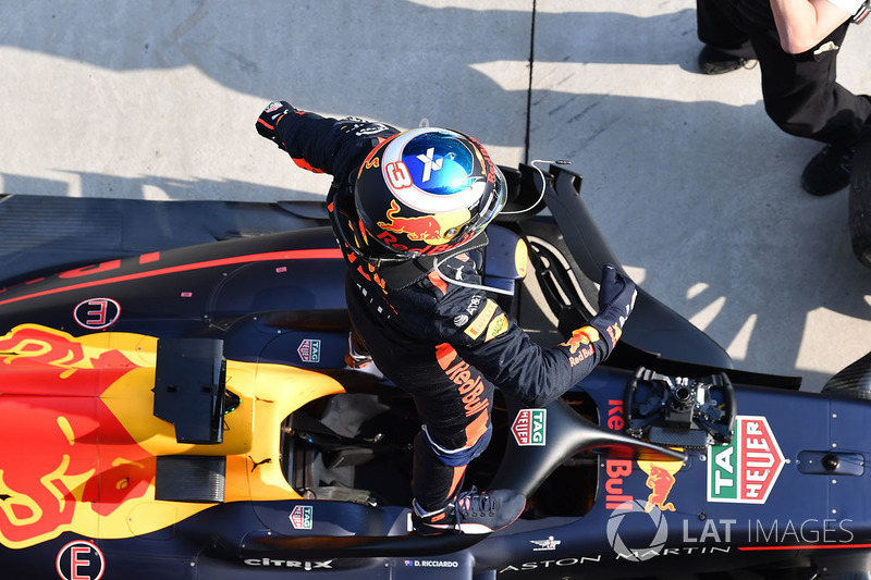 Race winner Daniel Ricciardo, Red Bull Racing RB14 in the parc ferme