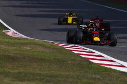 Max Verstappen, Red Bull Racing RB14 Tag Heuer, Sebastian Vettel, Ferrari SF71H, Nico Hulkenberg, Renault Sport F1 Team R.S. 18