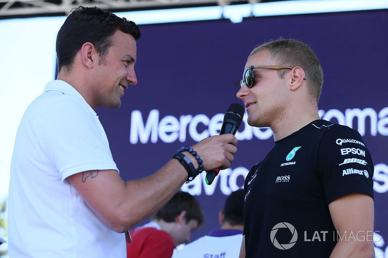 Valtteri Bottas, Mercedes AMG F1, im Interview mit Will Buxton, NBC TV
