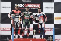 Podio: ganador Jonathan Rea, Kawasaki Racing, segundo lugar Chaz Davies, Ducati Team, tercer lugar Nicky Hayden, Honda World Superbike Team
