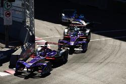 Jose Maria Lopez, DS Virgin Racing, voor Sam Bird, DS Virgin Racing, Robin Frijns, Amlin Andretti Formula E Team