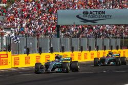 Valtteri Bottas, Mercedes-Benz F1 W08 Hybrid ve Lewis Hamilton, Mercedes-Benz F1 W08 Hybrid