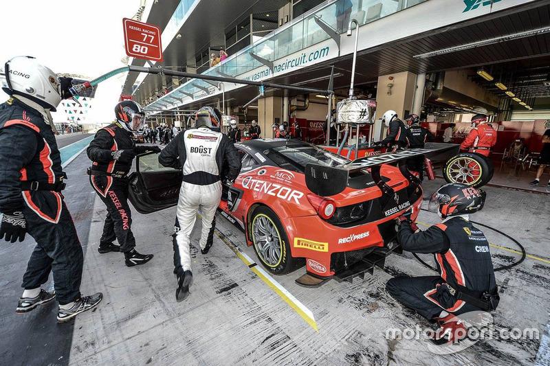#77 Kessel Racing Ferrari 458 GT3: Jacques Duyver, Marco Zanuttini, David Perel