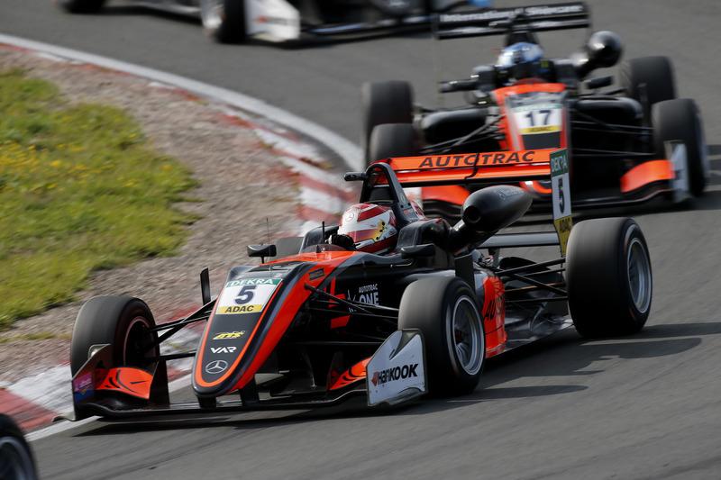 O melhor resultado de Pedro Piquet na Holanda foi o sexto lugar na terceira corrida.