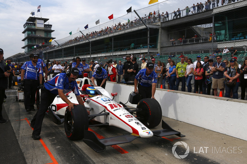 s bastien bourdais dale coyne racing honda at indy 500. Black Bedroom Furniture Sets. Home Design Ideas