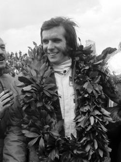 Race winner Emerson Fittipaldi, Team Lotus, Colin Chapman