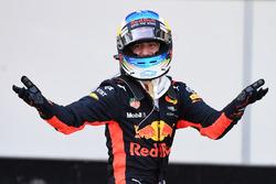 Racewinnaar Daniel Ricciardo, Red Bull Racing viert feest in parc ferme