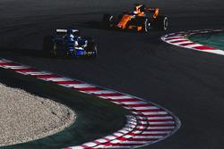 Маркус Эрикссон, Sauber C36, Фернандо Алонсо, McLaren MCL32