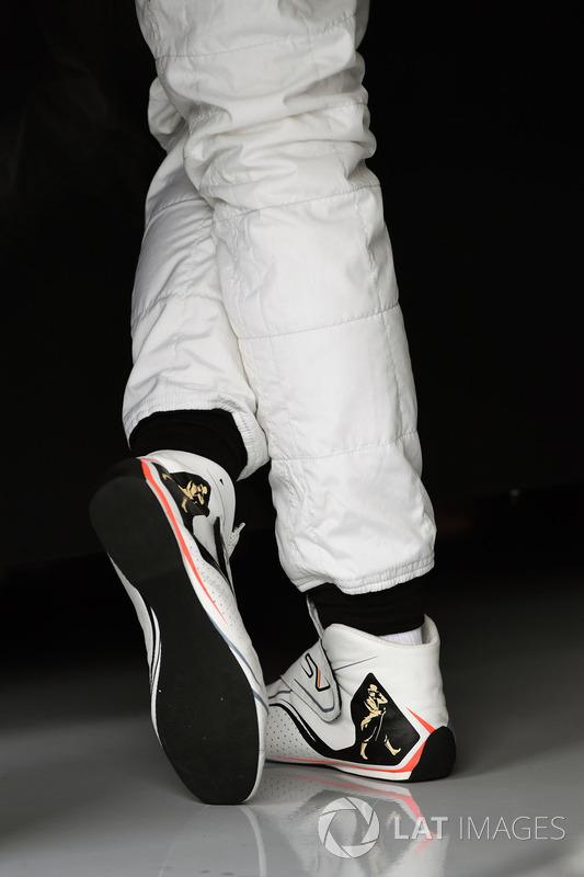 Stoffel Vandoorne, McLaren boots