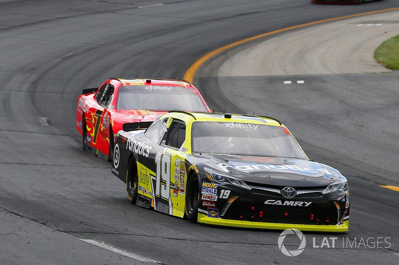 Matt Tifft, Joe Gibbs Racing Toyota, Justin Allgaier, JR Motorsports Chevrolet