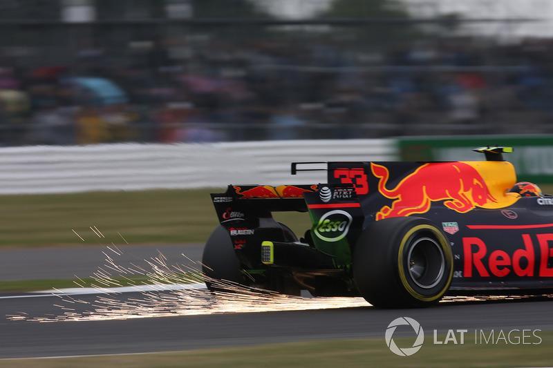 Max Verstappen, Red Bull Racing saca chispas
