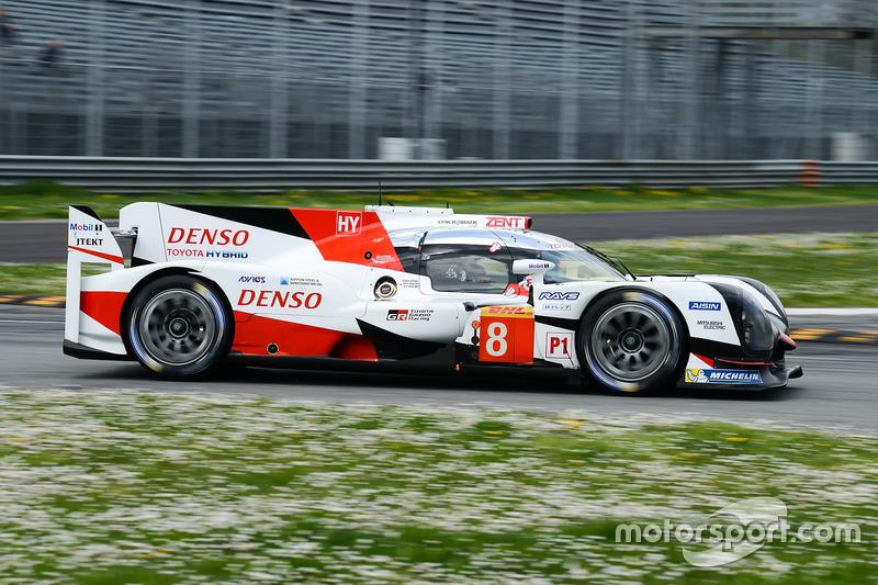 #8 Toyota Gazoo Racing Toyota TS050 Hybrid: Anthony Davidson, Nicolas Lapierre, Kazuki Nakajima