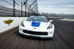 Автомобиль безопасности «Инди 500» Corvette Grand Sport