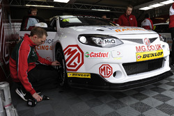 Aron Taylor-Smith, Triple Eight Racing MG Motor MG 6 GT