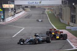 Lewis Hamilton, Mercedes F1 W08, Max Verstappen, Red Bull Racing RB13, Daniel Ricciardo, Red Bull Racing RB13