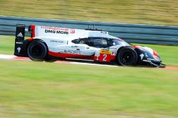 #2 Porsche Team Porsche 919 Hybrid: Earl Bamber, Timo Bernhard, Brendon Hartley