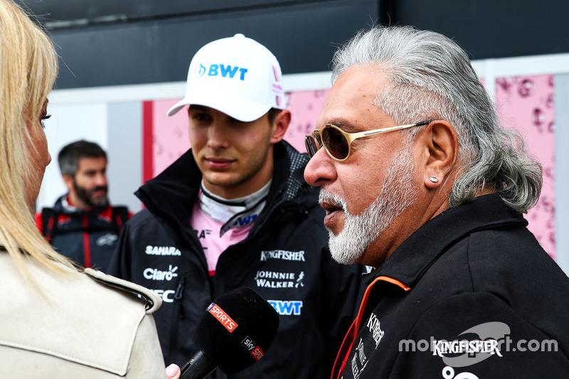 Esteban Ocon, Sahara Force India, Dr. Vijay Mallya, Force-India-Teambesitzer