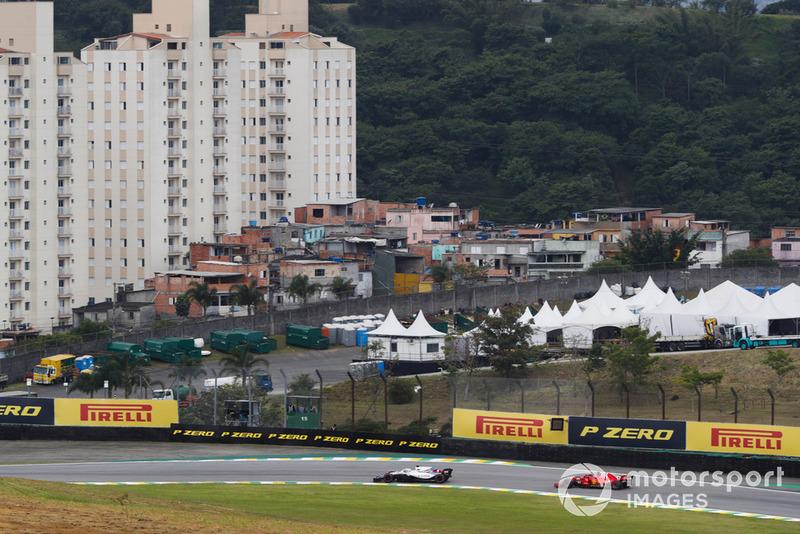 Lance Stroll, Williams FW41, Sebastian Vettel, Ferrari SF71H