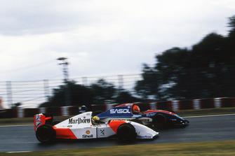 Ayrton Senna, McLaren Ford MP4/8; Eddie Irvine, Jordan J193