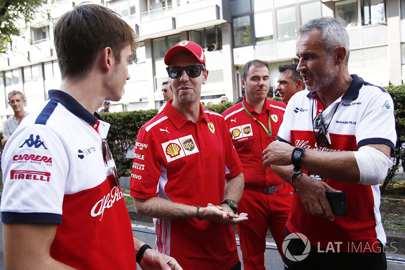 Charles Leclerc, Sauber, Sebastian Vettel, Ferrari e Beat Zehnder, Sauber Manager