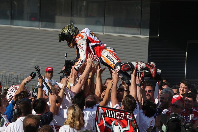 Márquez se proclamó campeón de 2016 en Japón