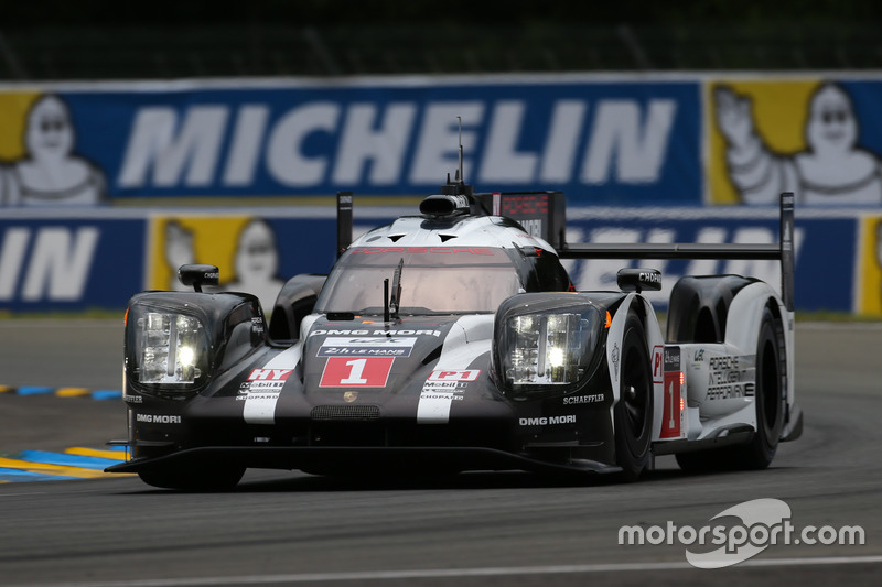 2: #1 Porsche Team Porsche 919 Hybrid: Timo Bernhard, Mark Webber, Brendon Hartley