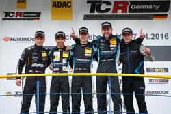 Podium: 2. Harald Proczyk, HP Racing, SEAT Leon Cup Racer; bester Junior Mike Beckhusen, Target Comp