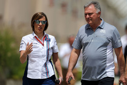 Claire Williams, Williams F1 Team en Dave Ryan, Manor Racing, teambazen