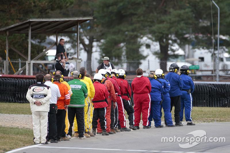 Ufficiali durante le attività pre-gara