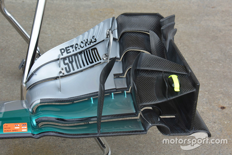 Mercedes AMG F1 W07 front wing detail