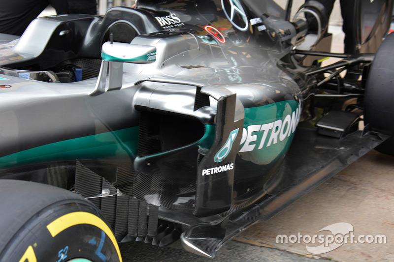 Mercedes AMG F1 W07 sidepod detail