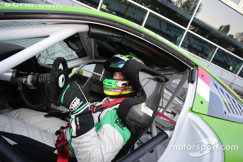 Poca fortuna per Alex De Giacomi, Dinamic Motorsport