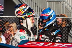 Craig Lowndes, Triple Eight Race Engineering Holden dan Scott McLaughlin, Garry Rogers Motorsport Vo