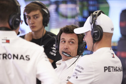 Toto Wolff, Executive Director (Business), Mercedes AMG, with Valtteri Bottas, Mercedes AMG F1