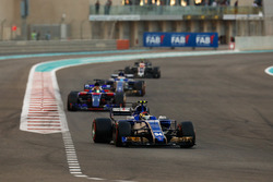 Pascal Wehrlein, Sauber C36, Brendon Hartley, Scuderia Toro Rosso STR12, Marcus Ericsson, Sauber C36