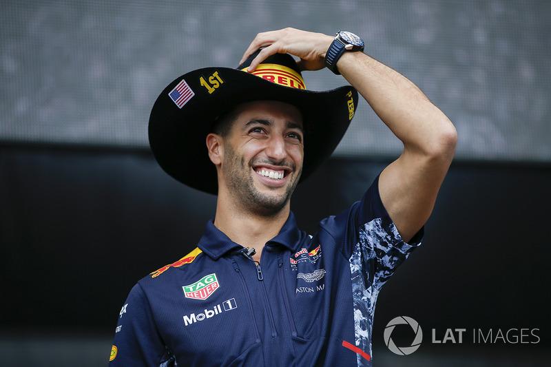 Daniel Ricciardo, Red Bull Racing, en el escenario F1