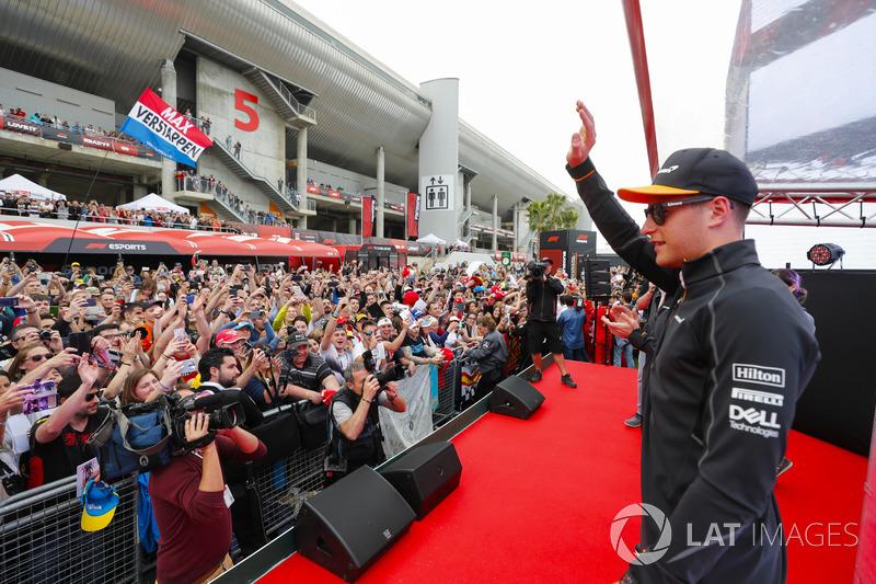 Stoffel Vandoorne, McLaren,  fans