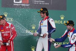 Podium : le vainqueur Pedro Piquet, Trident, le deuxième, Giuliano Alesi, Trident, le troisième, Ryan Tveter, Trident